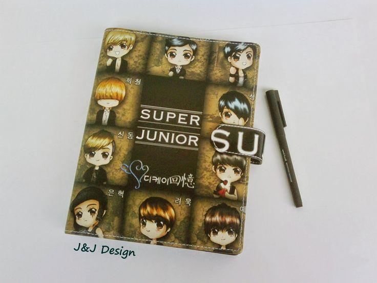 Nama  Produk : Binder Super Junior Ukuran   :A5 20ring : 60rb , B5 26 ring : 70rb Bahan  : Kulit Sintetis Deskripsi : 3 slot kartu, 1 slot foto 1 Slot pulpen