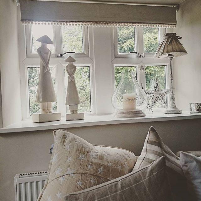 Lisa, la proprietaria di questo bel cottage inglese, ama la sua casa, la decorazione di interni e dice che la sua casa non ha uno stile pa...