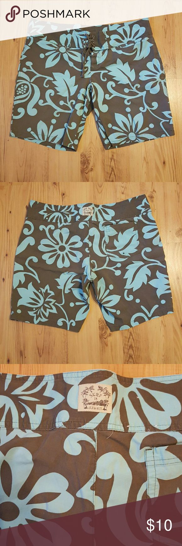 Old Navy Womens Board Shorts Old Navy Board Shorts. Brown with Blue flowers.  96% Cotton 4% Spandex. Ultra Low Waist. They have stretch. Sz XL. Old Navy Shorts