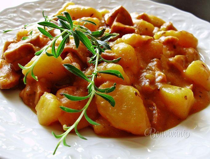 Zemiakový guláš • recept • bonvivani.sk