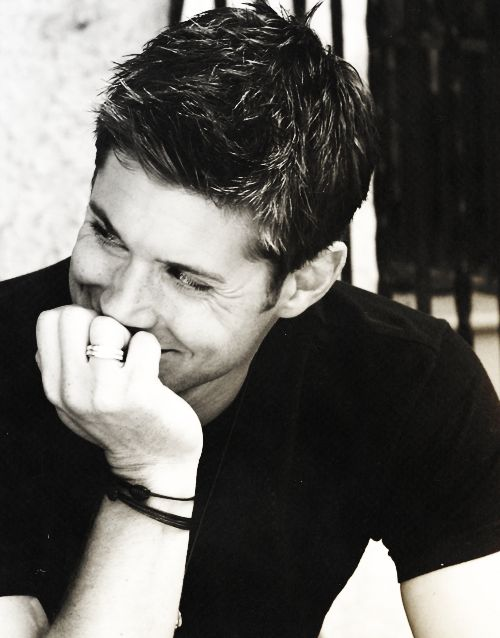 Jensen Ackles - Supernatural. I never get tired of looking at him haha. Agree? @Victoria Brown Boyer