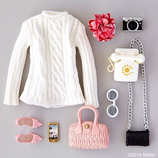 Today calls for cable knit! ☎️ #barbie #barbiestyle