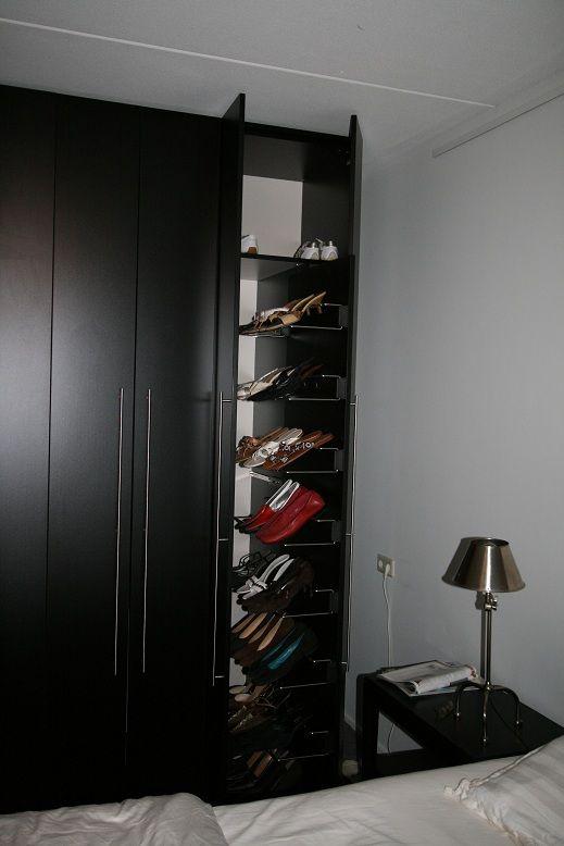 Slaapkamerkast met geïntegreerde schoenenrekken. www.comfortinstijl.nl