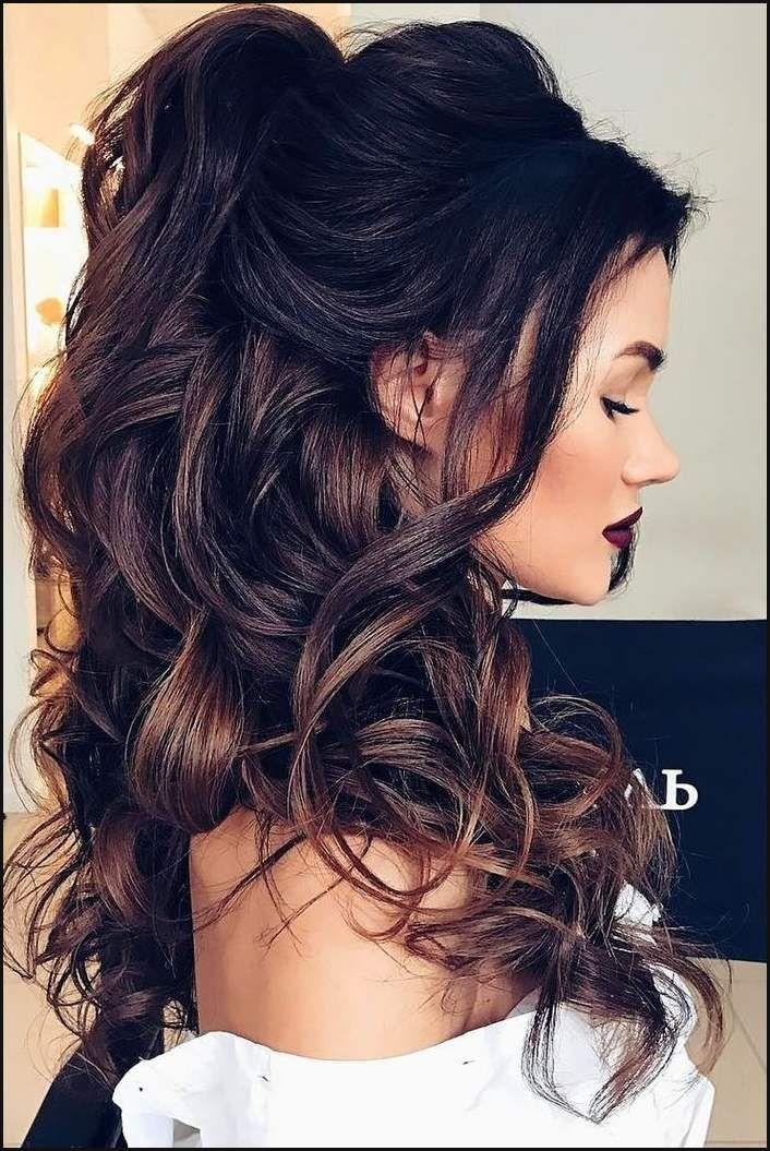 Die Besten 25 Brautjungfer Hair Ideen Auf Pinterest Einfache Frisuren Besten Braut Brautjungfern Frisuren Frisur Lange Haare Locken Brautjungfer Haare