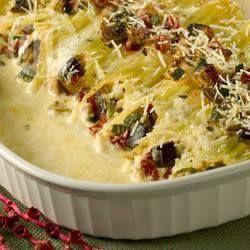 Canelone recheado com legumes @ allrecipes.com.br - Canelones deliciosos, recheados com legumes variados, queijo parmesão e ricota! Sirva-os com uma grande salada verde. Um prato saboroso.