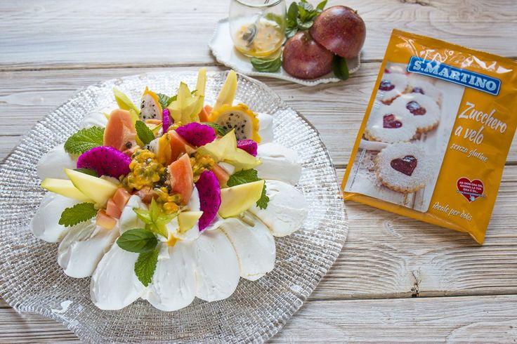 Pavlova con frutta esotica