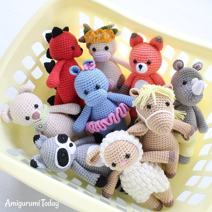 Our Cuddle Me army is growing to protect their little owners .......#amigurumitoday #amigurumi #crochet #crochettoys #crochettoy #amigurumitoys #amigurumitoy #amigurumidolls #amigurumipattern #amigurumipatterns #crochetpatterns #crochetpattern #crocheting #crochetaddict #crafted #crochetedtoys #amigurumis #haken #amigurumidoll #crochetdoll #crochetdolls #crochetproject#crocheted #handmadedoll #stuffedtoy #plushies #funnytoys #freeamigurumipatterns #f