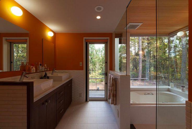 トイレ/バス事例:洗面脱衣室・浴室(蓼科の家)
