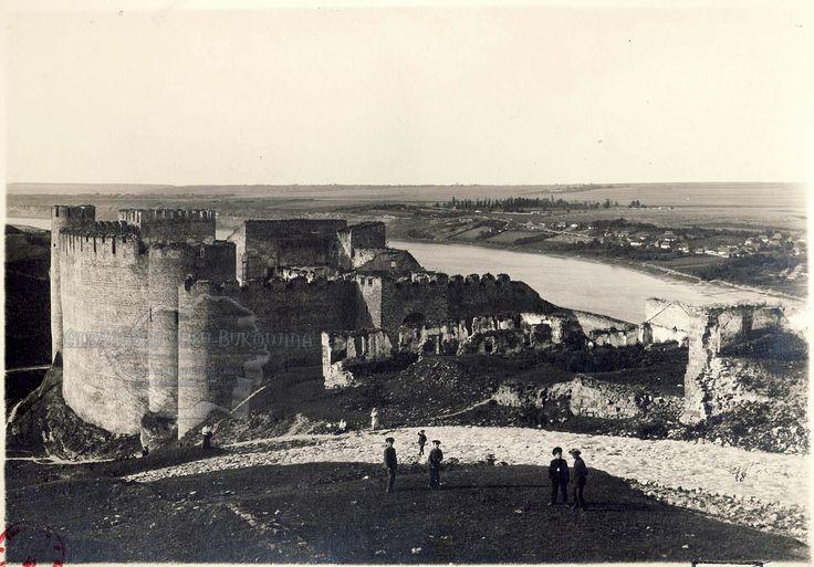Cetatea moldovenească Hotin, cetatea lui Ştefan cel Mare.
