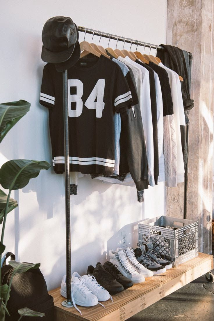 The Nordic Mood: Maskulin indretning // Inspiration til en herre hybel - clothing, pink, yoga, grunge, boys, punk clothes *ad