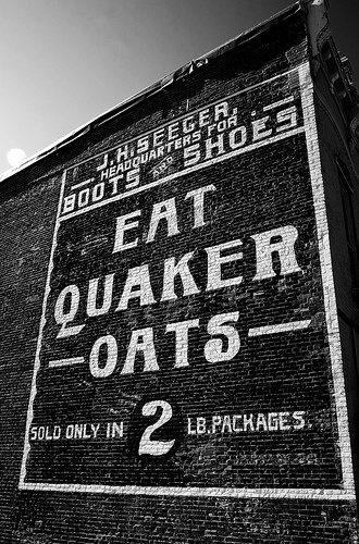 """quaker up ad Chicago — chef'd, an on-line meal kit delivery service, is partnering with the quaker oats co to offer three quaker-branded overnight oats meals, which will be among the first breakfast meal offerings on its web site """"for the last 140 years quaker has been finding innovative ways to help more people."""