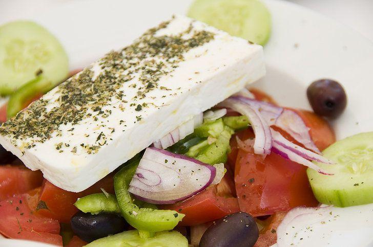 THE AUTHENTIC (WITHOUT LEAFY GREENS) Traditional Greek Salad recipe (Horiatiki / Xoriatiki) - My Greek Dish