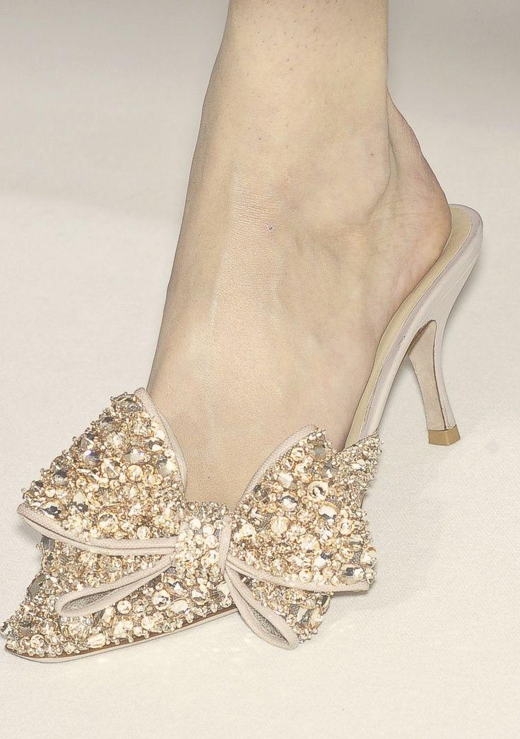 43 nejlepších obrázků na Pinterestu na téma Glamour shoes  cc2bb24507