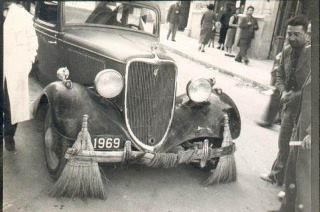 first road cleaning vehicle in Istanbul - 1930's