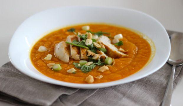Zoete aardappel soep met kipfilet
