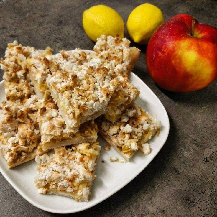 """Vegán és paleo almáspite Végtelenül egyszerű, csökkentett energiatartalmú, """"mindenmentes"""" almás pite morzsa sütemény (paleo és vegán süti recept) (tojásmentes, tejmentes, gluténmentes, szójamentes, olajos magoktól mentes) Az almáspite morzsa süti készítését a Fem3 Cafe-ba is bemuta"""