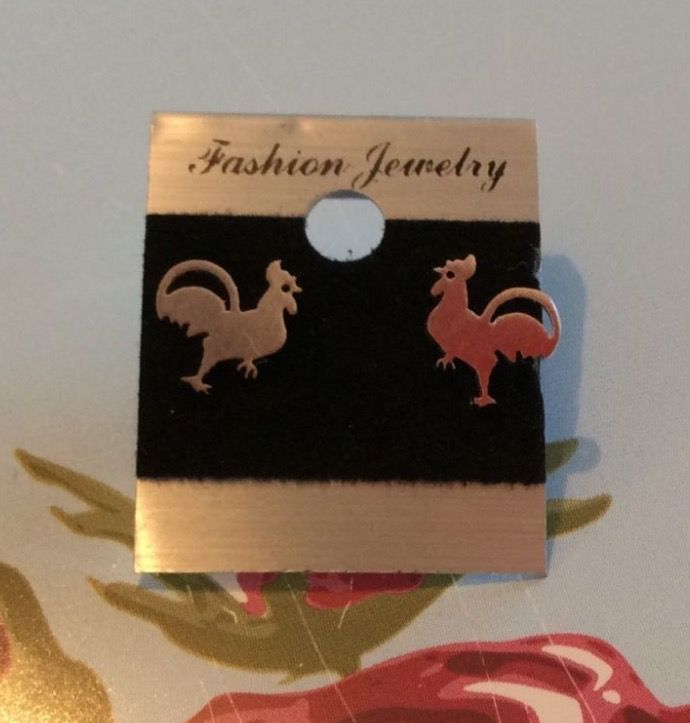 Silver Plated Chicken Stud Earrings #present #gift #ladies #jewellery #accessories #studearrings #earrings #silver #silverplated #chicken #animals #quirky #cute http://m.ebay.co.uk/itm/Free-Gift-Bag-Silver-Plated-Chicken-Stud-Earrings-Quirky-Jewellery-Animals-Xmas-/282321527683?nav=SELLING_ACTIVE