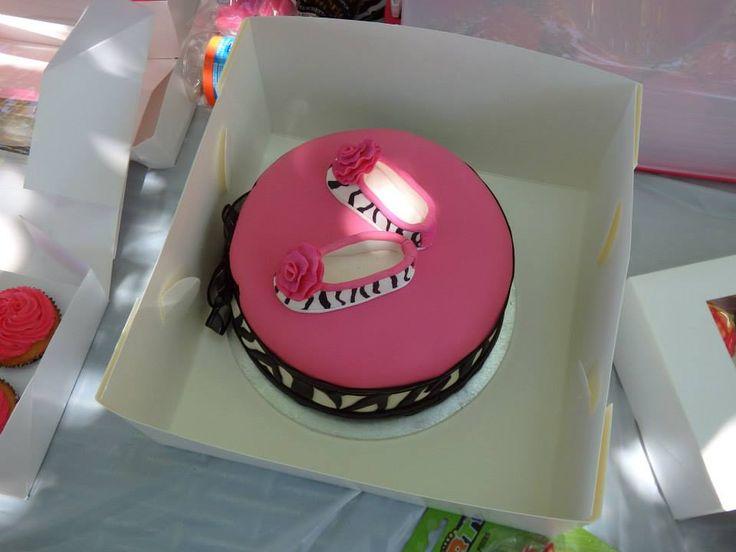 Maddies 1st birthday cake