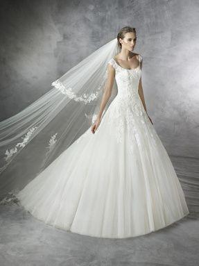 Svatební šaty Pronovias 2017 ve svatebním domě NUANCE. Model Pleiada.