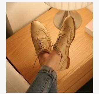 Goedkope 2015 Patent Leather Oxford Shoes for Women British Style Pointed Toe Women Brogues Oxfords Causal Flat Shoes Woman, koop Kwaliteit vrouwen flats rechtstreeks van Leveranciers van China: