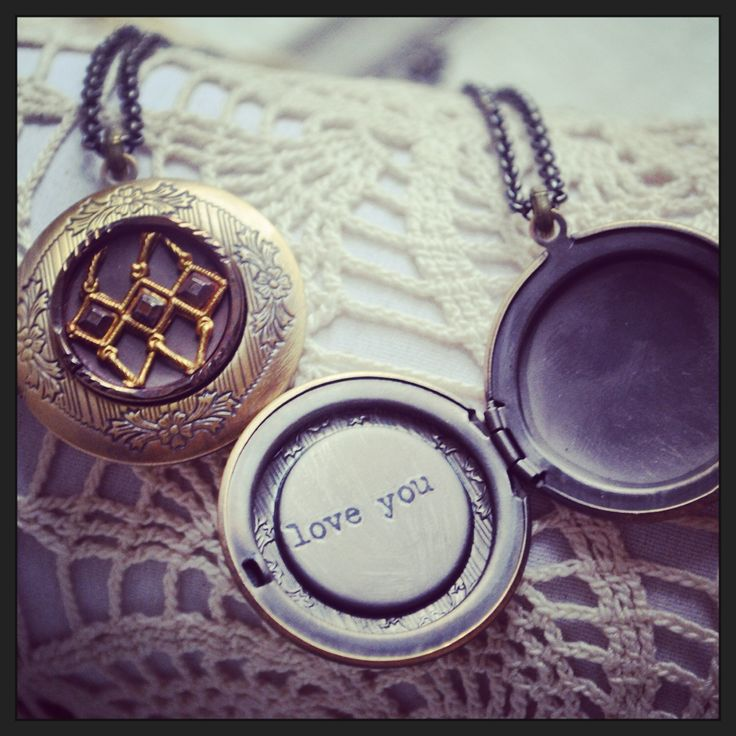 Vintage button locket