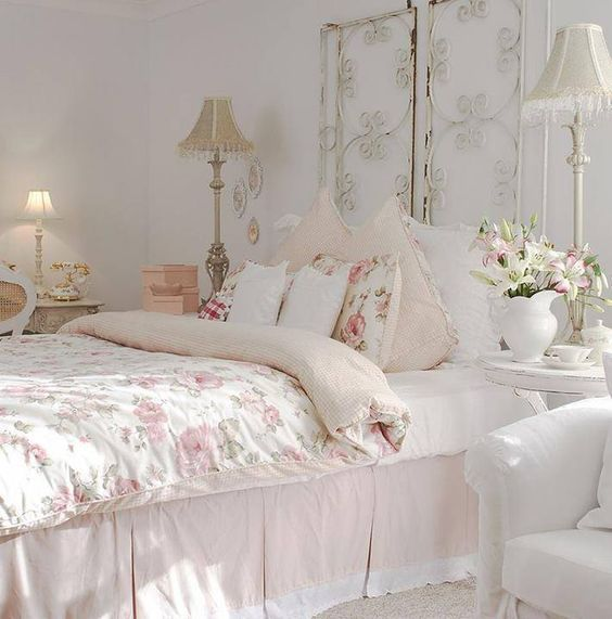 best 25 shabby bedroom ideas on pinterest shabby chic beds shabby chic guest room and. Black Bedroom Furniture Sets. Home Design Ideas