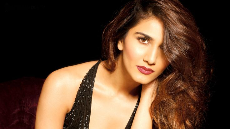 vaani-kapoor-Wallpapers-Hot and sexy