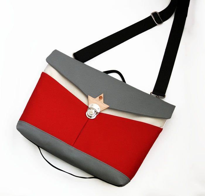 jiyoh clutch shoulder bag