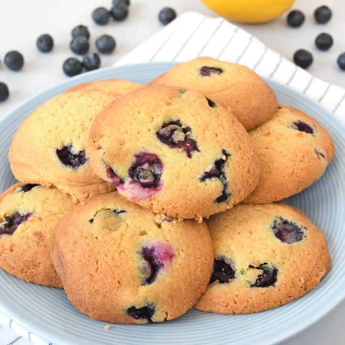recept voor heerlijke blauwe bessen-citroen koekjes.
