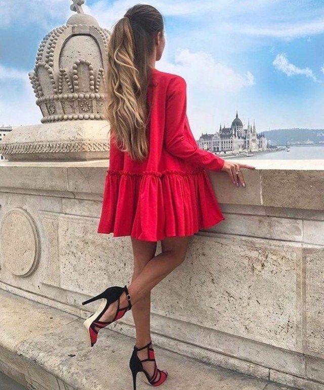 Me volatilità programma  Abbinare i vestiti rossi: idee di stile per outfit caldi e passionali |  Stile di moda, Vestito rosso, Red dress