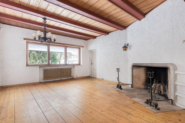 SØRBYHAUGEN / SMESTAD - Innholdsrik, lys og romslig enebolig oppført i 1935. Garasje i tilknytning til boligen. Stor tomt og hage. Barnevennlig. Oppussing. | FINN.no