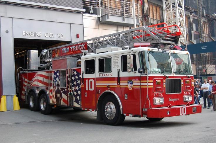 FDNY Fire trucks responding in New York traffic 2014 HD © - YouTube