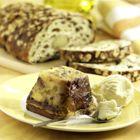 Broodpudding van paasbrood (gebruik eggreplacer i.p.v. ei, plantaardige margarine i.p.v. boter, sojaslagroom i.p.v. slagroom)