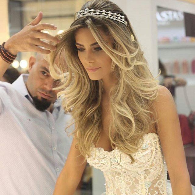 Best 25+ Tiara hairstyles ideas on Pinterest   Wedding ...