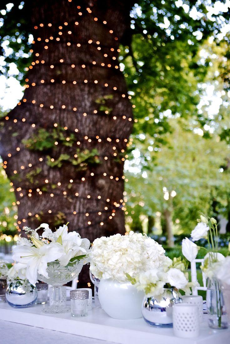 classic white wedding decor