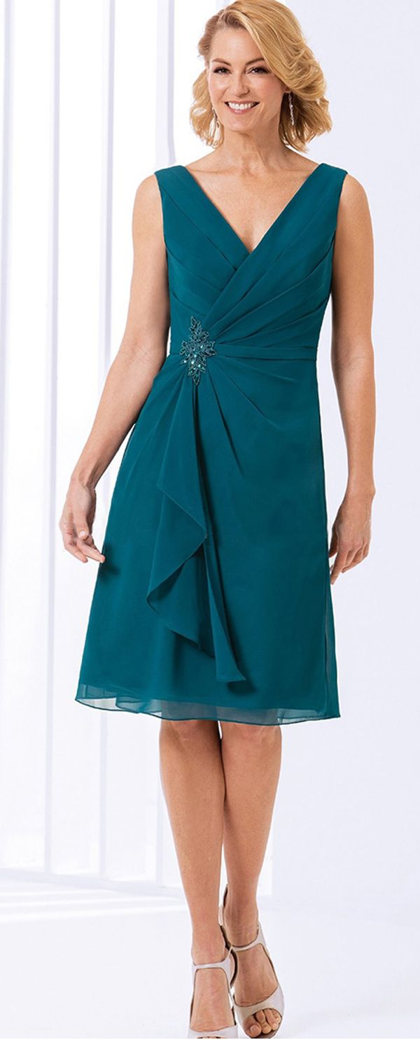 Wonderful Chiffon V-neck Neckline Knee-length A-line Mother of The Bride Dresses With Beadings