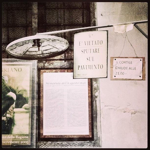 @giadajj Antiche Insegne by Turismo Emilia Romagna, via Flickr