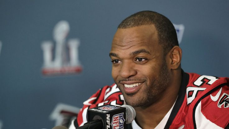 Dwight Freeney not finished with NFL — or with Falcons