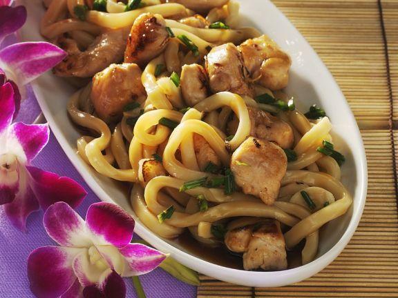 Udon-Nudeln mit Hähnchen ist ein Rezept mit frischen Zutaten aus der Kategorie Hähnchen. Probieren Sie dieses und weitere Rezepte von EAT SMARTER!