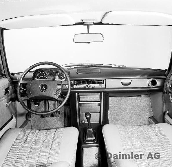 Armaturen, Mercedes-Benz Typ 200 D,  Baureihe 114, 115, aus dem Jahre 1973