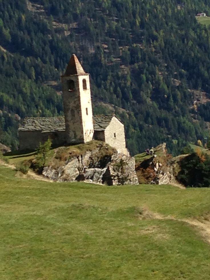 Svizzera , chiesetta San Romerio sopra Brusio