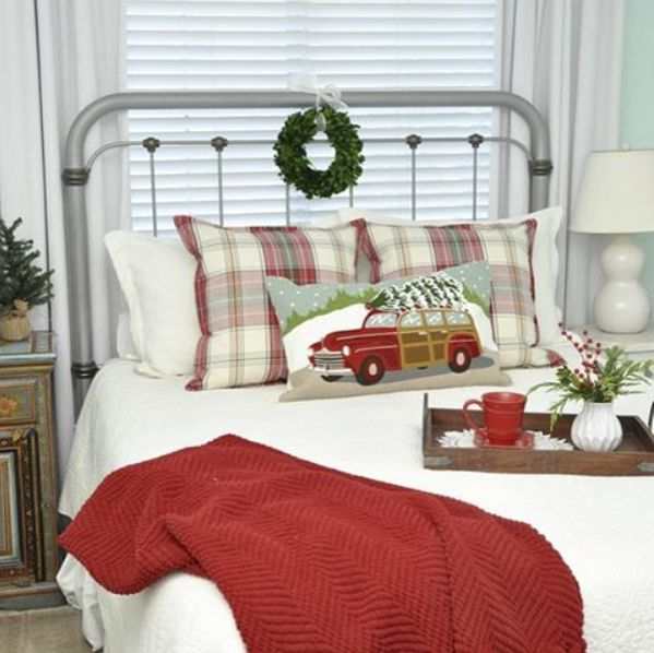 The guest room that @ahappyretiree created is so inviting with perfect little holiday touches! Now to book our tickets! #guestretreat #bedroom #mypotterybarn