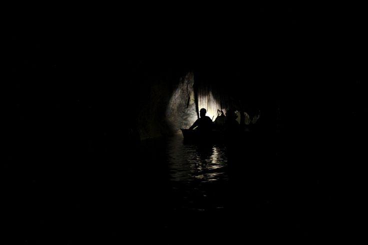 País do Caribe tem passeio inusitado de canoa em caverna maia submersa