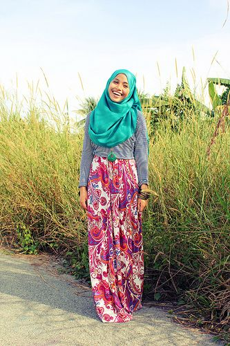 blue hijab and patternized palazzo..so colorful!