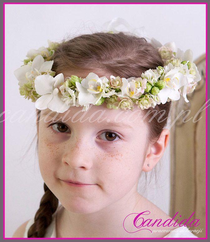 wianek komunijny z żywych kwiatów, dekoracje komunijne, opaska komunijna z kwiatów