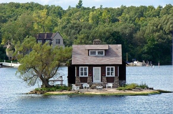 Just Room Enough - cottage on tiny island in the Thousand Islands, St. Lawrence River