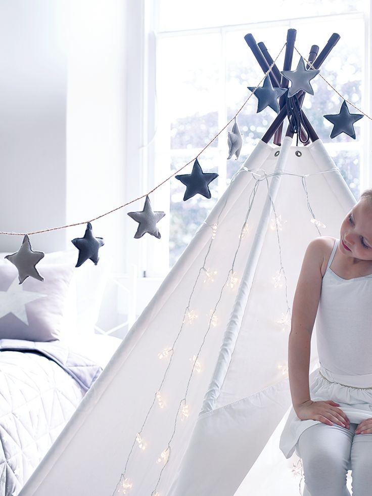 NEW Star Bunting - Indoor Living