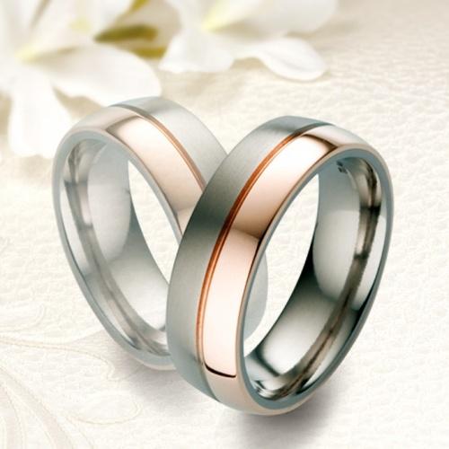 18K rozé arannyal bevont Férfi Titánium karikagyűrű ME-TR45-M