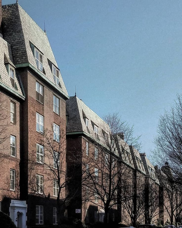 #Apartment_houses in #Jackson_Heights, #Queens.