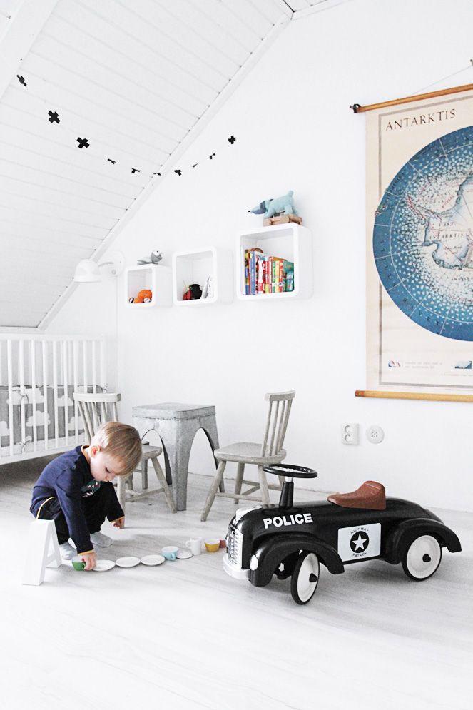 White room, black plus-sign garland, Antarctica map, cloud bedding, metal furniture//kids room..